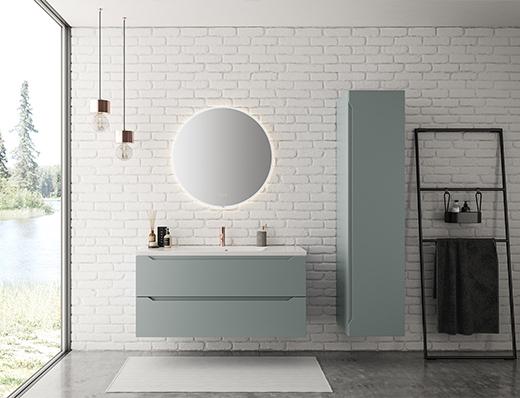 Tenk annerledes og bruk andre farger enn bare hvitt på badet